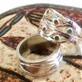 Set zilveren trouwringen met ambachtelijke uitstraling