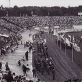 Einzug ins Stadion von Nijmegen anlässlich der feierlichen Eröffnung der Vier-Tage-Märsche.