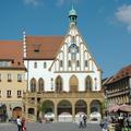 Amberg - Marktplatz (Im Hintergrund: das Rathaus