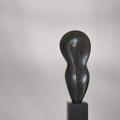 Weiblich | schwarzer Alabaster | 46 x 20 x 5 cm (h x b x t) | 2009 | mit Sockel € 1.800.-