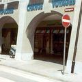 Reinigung von Sandstein-Fassade und Hartstein-Sockel - Nachher