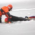 DLRG rettet beim Einbruch in Eis