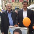 Egon Jüttner zusammen mit dem OB-Kanididaten Peter Rosenberger auf dem Neckarauer Stadtteilfest