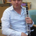 Tomás Ramírez Del Campo (Caracas, 1989) CLARINETISTA comenzó en la Orquesta Sínfónica Infantil (SOI). Desde el año 2007 es Prof. de la cátedra de clarinete en los núcleos La Asunción y Porlamar del SOI del Edo. Nueva Esparta.