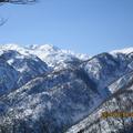 雪煙舞う白山.