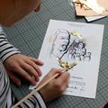 Die gedruckten Collagen aus Handzeichnungen und Fotografie wurden mit Kugelschreiber vollendet.