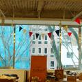 イベントスペースは三階と四階です。街路樹も見える開放的な窓です。