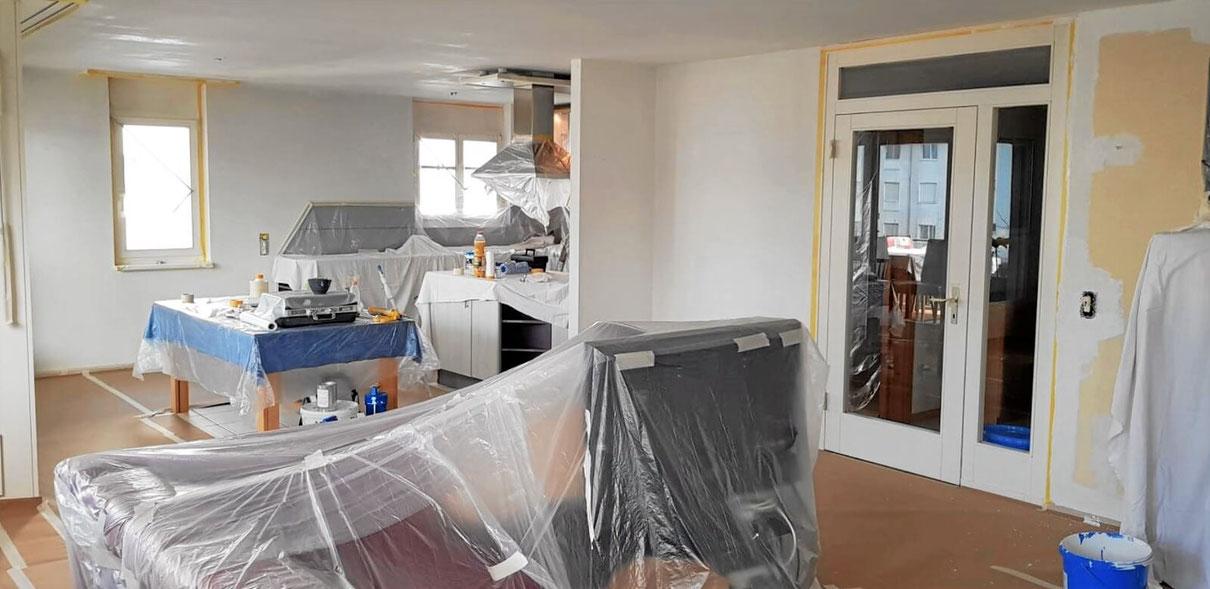 Wohnung in modernen Farben streichen vom Maler