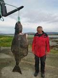 Lachse angeln in Norwegen, mittlerer Fluss, mit Fliege