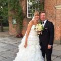 """Foto: """"Hochzeitpaar vor Kirche in Hamburg Blankenese nach kirchlicher Trauung"""""""