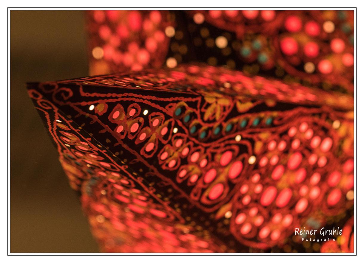 Die Welt ist ... rot - Weihnachtsstern   ©Reiner Gruhle