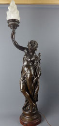 Mathurin Moreau, The lady with the torch, Skulptur, Anfang 20. Jhd., Régule , € 1600,00