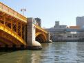 蔵前橋から隅田川を見る