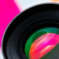 高級一眼レフのカメラの写真。NTSCかPALか、切り替え可能。