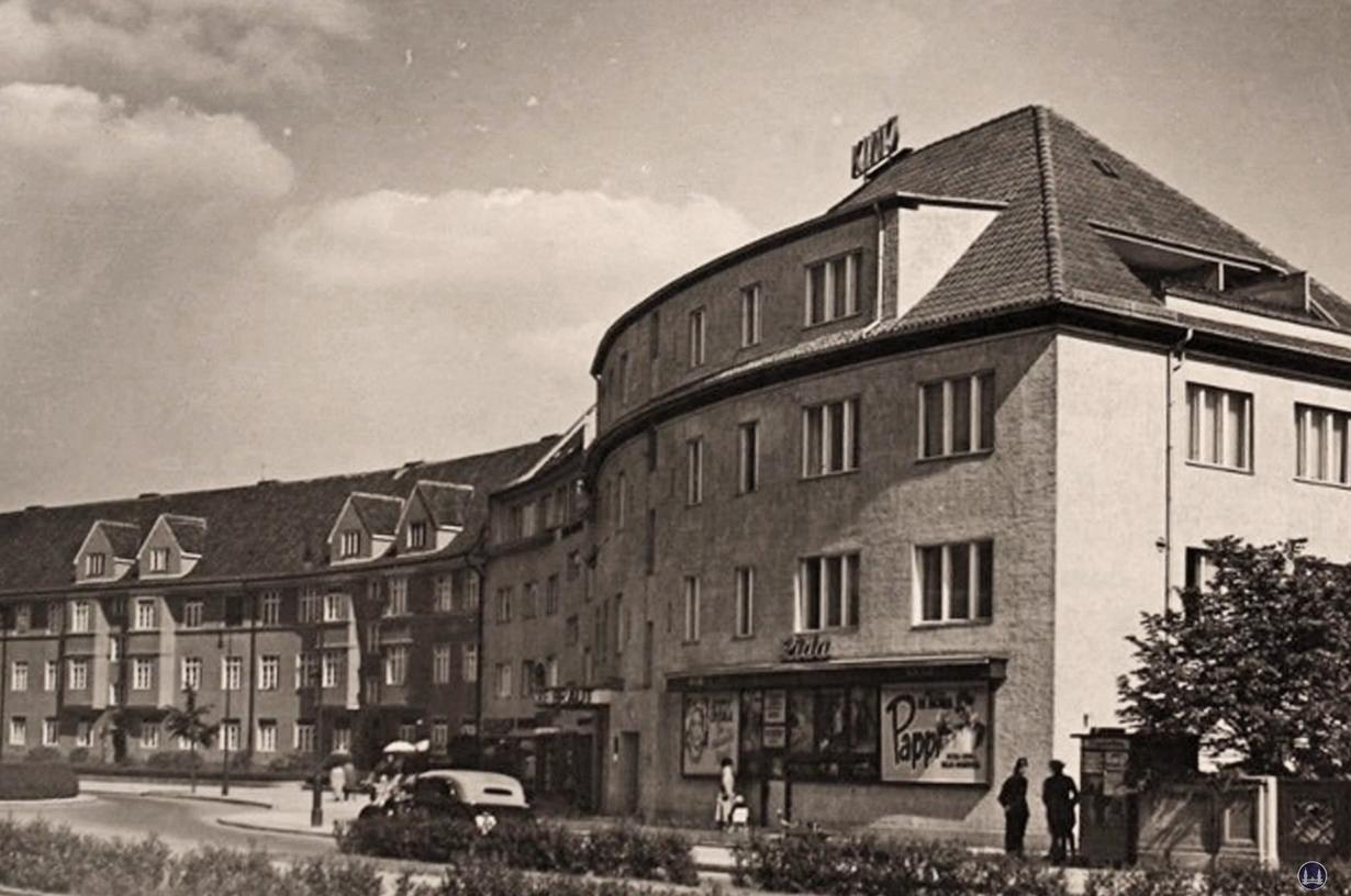 Berlin, Breitenbachplatz in Steglitz. Das Kino Lida auf einer alten Postkarte.