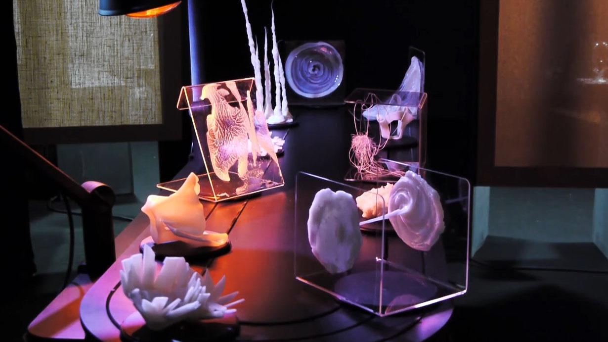 Visuel des créations artistiques réalisées à partir du matériau YuPi par le collectif TOAST pour le salon EXPERIMENTA 2020.