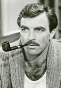 Tom selleck fume la pipe mais pas une Louis vuitton