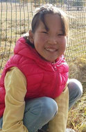 スーギーさん(12歳) サイハン村学校