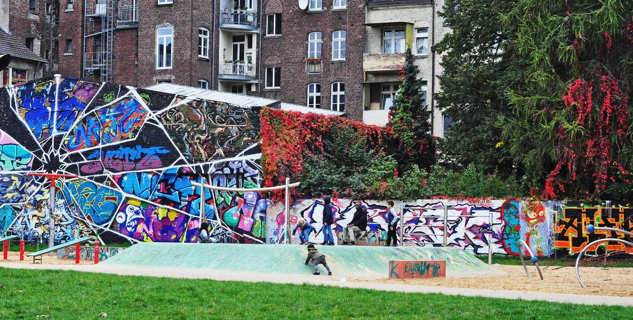 Das Umfeld der MüTZe an der Berliner Straße: Der Bürgerpark grenzt an das Bürgerhaus.