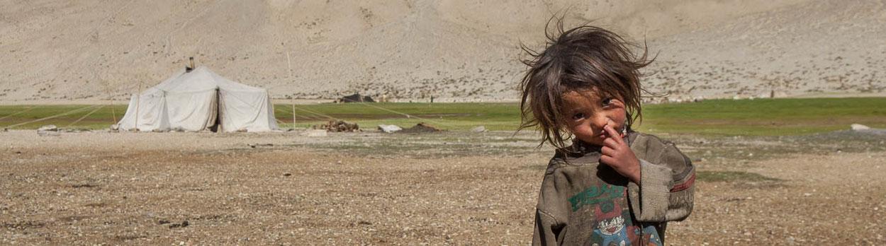 Typischer Trekkingtag im Himalaya, hier während eines Trekkings von Spiti über den Parang La zum Tsomoriri-See in Ladakh