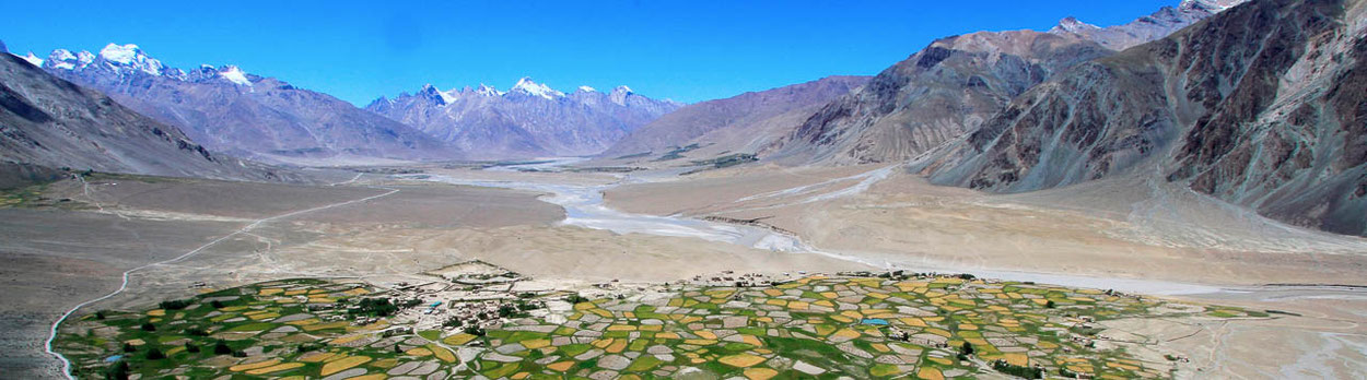 Dorf Stongde im Tal von Padum in Zanskar - Trekking-Reise durch Zanskar