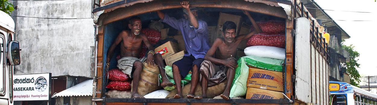 Transport während Reisen im Himalaya, in der Regel nicht so wie auf diesem Bild im indischen Himalaya ;-)