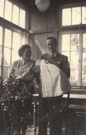 Vater Paul und Mutter Beate mit Sohn Hermann