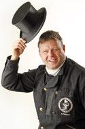 Rainer Dekker vom Kaminstudio Deckers sagt seinen Grund der Zusammenarbeit mit Comtyp Werbeagentur.