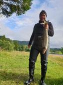 Lachse angeln in Norwegen, kleiner Fluss, mit Blinkerrute