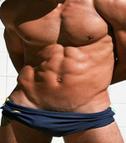 筋肉質なスタッフ
