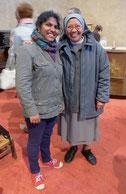 Sr Jane, avec Marie-Divva qui était aux JMJ avec le P. Loïc