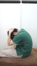 肩こりのストレッチ首後~背中-③