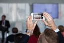 Photo d'un téléphone intelligent lors d'un événement de Texas Lyceum dans le Vieux Montréal par Marie Deschene