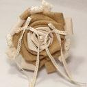 Porte alliance fleur dentelle et toile de jute