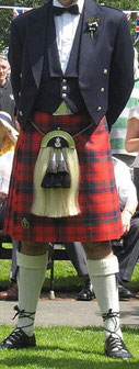 Costume traditionnel avec kilt et sporran
