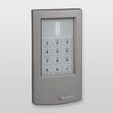 cryplock HF-Tastaturleser R/K-MD (RAL 9007 Graualuminium) von Telenot; presented by SafeTech
