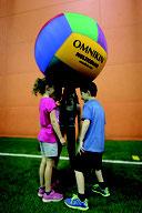 Ballon de kin-ball multicolore de kin ball Omnikin. Ballon de kin-ball Omnilkun multicolore léger au meilleur prix.