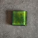 Cabujón grande verde cuadrado con helecho