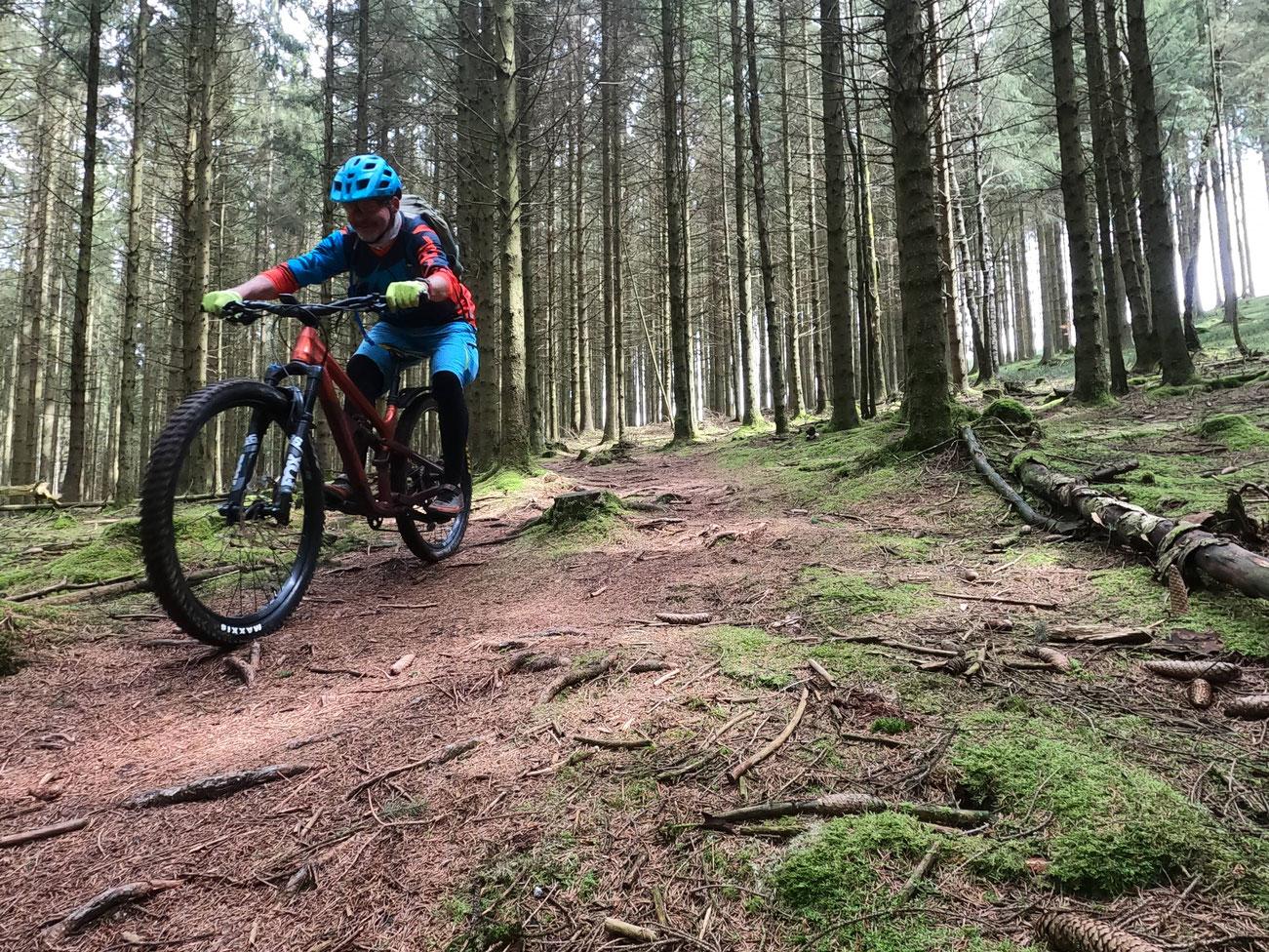 Streckenverhältnisse im Aachener Wald . . .  Genial