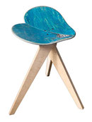 skateboard chair made from recycled decks. Skateboardhocker aus upgecycelten Brettern. Stuhl und Hocker in Herzform. Finewoodwork made with recycling materials. Möbel aus Recyclingmaterial.