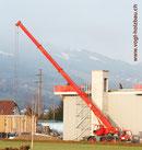 Pneukran:  mit einem Teleskopausleger von bis zu 30 Meter