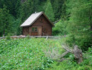 Wiederum vorbei an der Mitterrieder-Alm mit dem Jagdhaus …