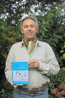 der stolze Autor präsentiert im Oktober 2007 sein  erstes veröffentlichtes Buch