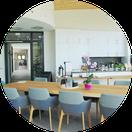 Ausschnitt Küche Esstisch ZUGvogel Hospiz Sulingen
