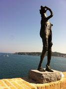 アンティ―ブ岬を眺める