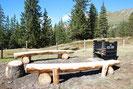 Grillstelle mit Sitzgelegenheit auf der W-Seite des Fleschsee