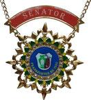 Der Senatorenorden wird  bei der Ernennung zum  Senator verliehen.