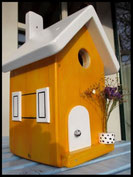 Vogelhuisje,nestkastje hout_Droom in Geel 6_geel_dak wit_deur wit