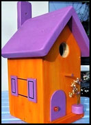 Vogelhuisje,nestkastje hout_nestkastje Oranje 1_oranje_dak paars_deur paars