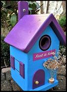 Vogelhuisje,nestkastje hout_nestkastje Lichtblauw_dak en deur donkerpaars
